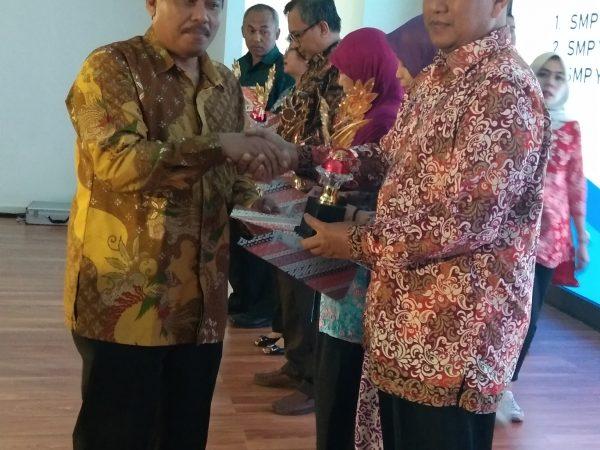 penerima penghargaan Kota Bontang